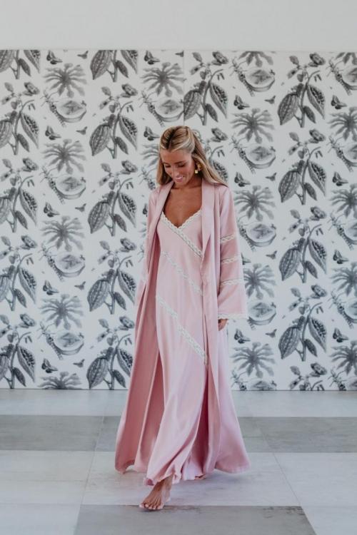 Bata y camisón Camelia rosa empolvado